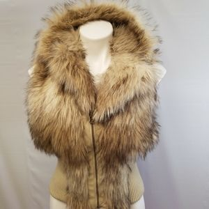 New Look zip up fitted fur vest size large